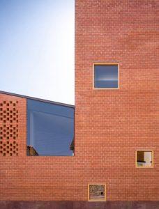 camilo ibrahim issa El nuevo Auditorio de Magen Arquitectos en Illueca Zaragoza 4 228x300 - El nuevo Auditorio de Magén Arquitectos en Illueca (Zaragoza)